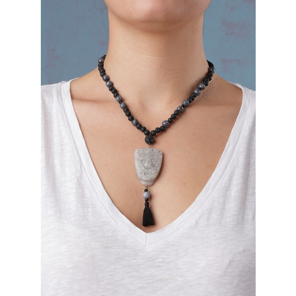 Cycladic Face Grey Short Tassel Necklace
